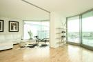 2 bed Flat to rent in Hester Road, SW11