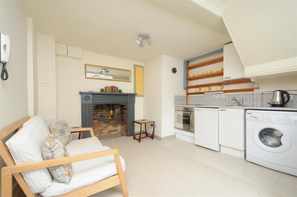 living kitchen.jpg