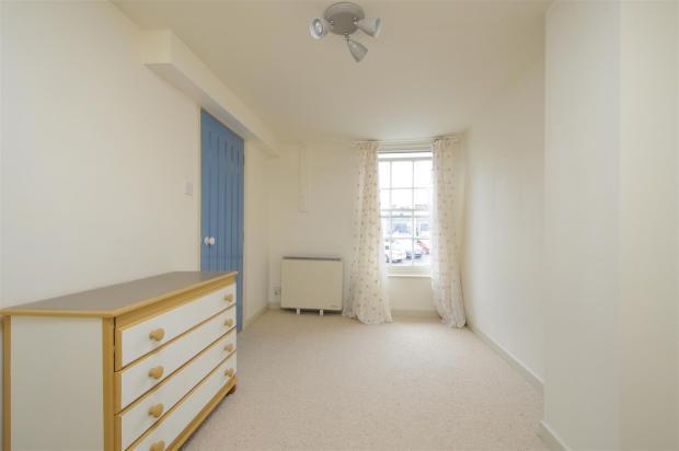 bedroom (3).jpg
