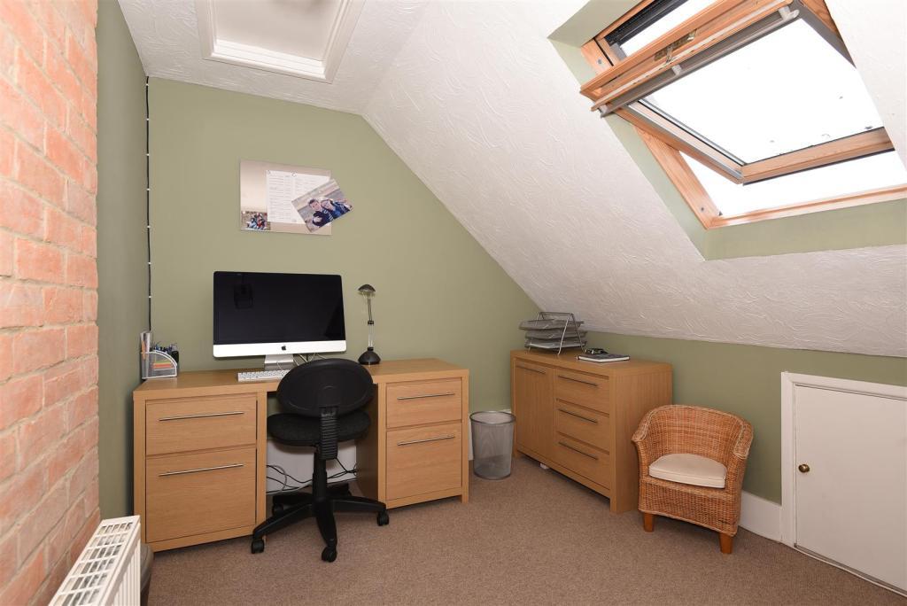 bedroom 4 study.jpg