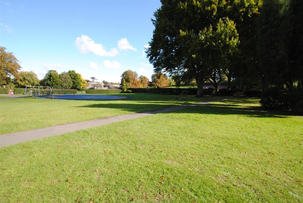 Wantage Park.2.JPG