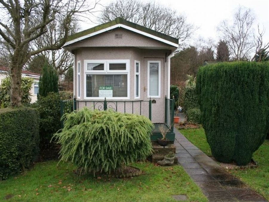 Mobile Home For Sale In Belgrave Drive Highview Park Off