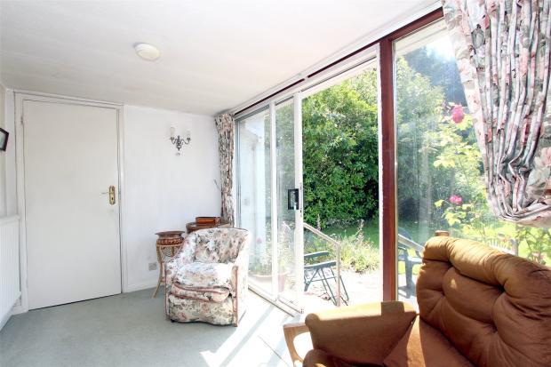 3 Bedroom Bungalow For Sale In Bucks Hill Chipperfield