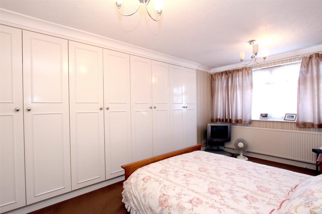 1st Floor: Bedroom 1