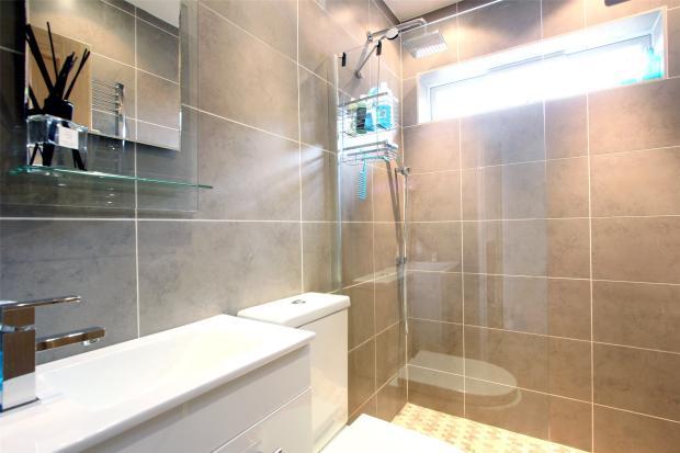 Shower Room -G/Floor