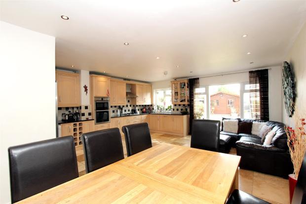 Kitchen/Family Room1