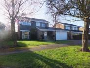 4 bed Detached house in Fairlawn