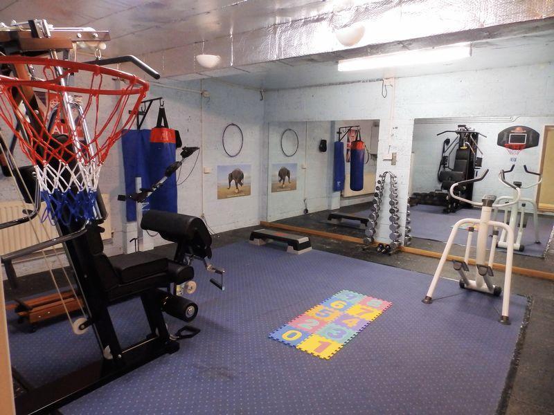 Double Garage/Gym