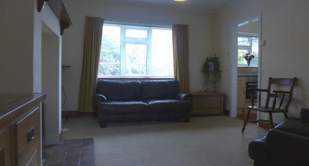 Hobart Cottages 6 Sitting Room 002