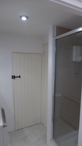 Little Mill Stable - Shower 022