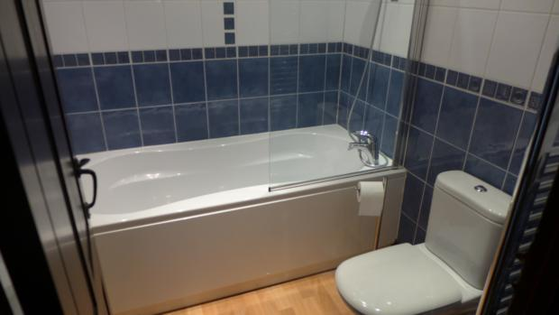 Bottom Farm Bathroom 024