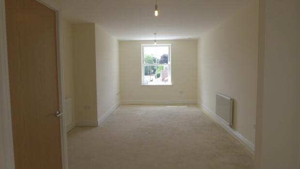 Beechwood Court 4 Sitting Room 030
