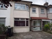 3 bed Terraced house for sale in Oulton Crescent, BARKING...