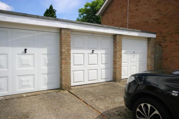 Single Garage In blo
