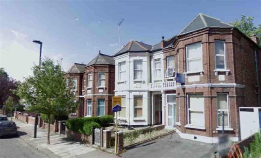 7 Bedroom House For Sale In Fordwych Road Kilburn London