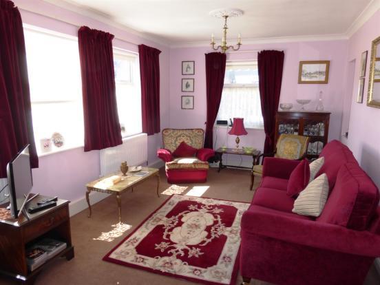 Living Room / Bedroom Seven