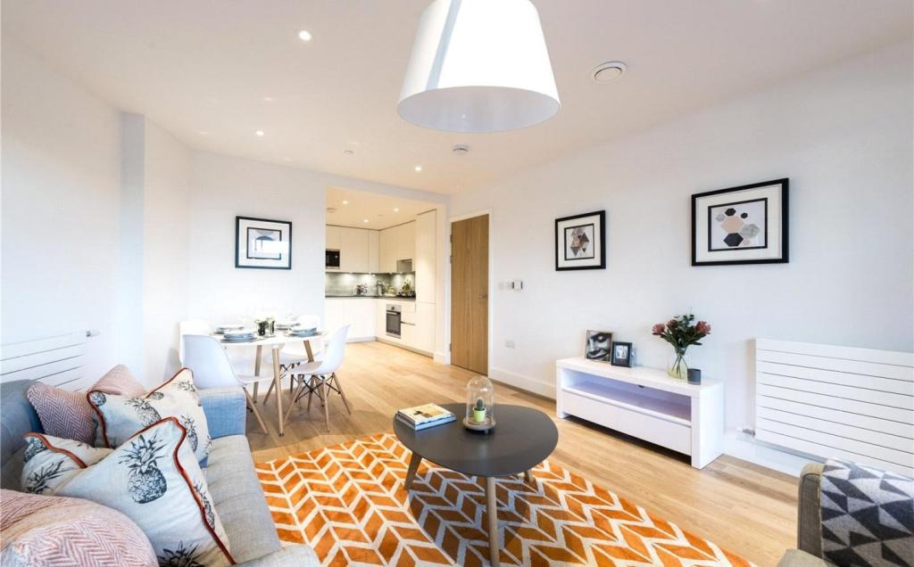 Show Home Photos
