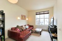 3 bedroom Flat in Buckland Crescent...