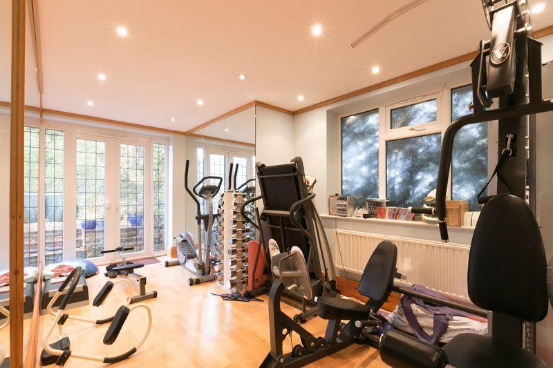 gym / sitting ...