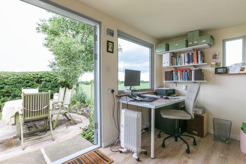 Home office / ...