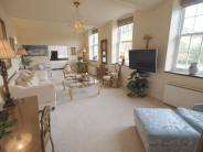 3 bedroom Apartment in Slack Lane...