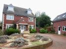 5 bedroom Detached property for sale in College Street...