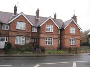 2 bed property to rent in Portsmouth Rd