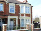 Flat to rent in Thornbury Road, Isleworth