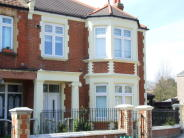 3 bed Flat in Thornbury Road, Isleworth