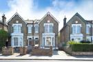 Flat in Greyhound Lane, Streatham