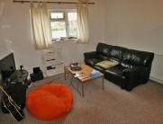 Flat to rent in Valentia Road...