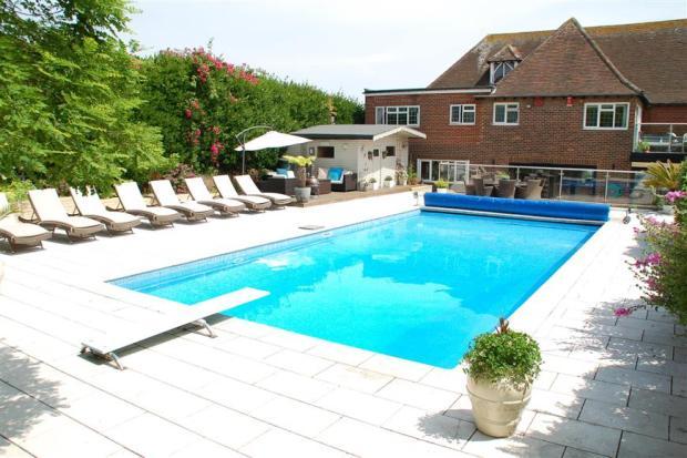 Swimming Pool (Original)