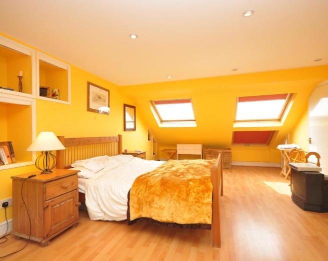 Bright beige bedroom design ideas photos inspiration for Bright orange bedroom ideas