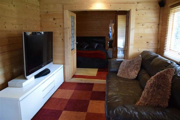 Log Cabin Lounge/Kitchen/Diner