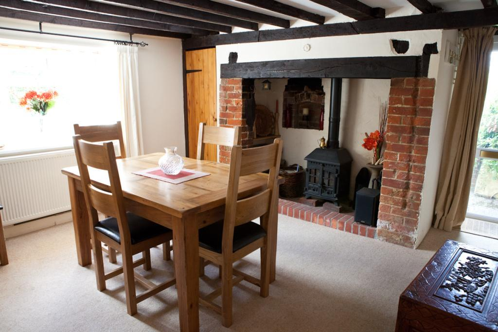 4 bedroom detached house for sale in south holme for Public dining room 50 off