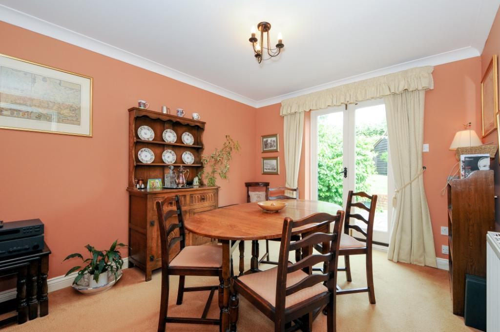 4 bedroom end of terrace house for sale in st nicholas for Public dining room 50 off