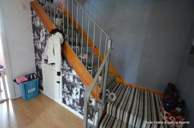 eading to second floor