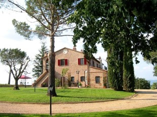 8 bed Villa in Umbria, Perugia...