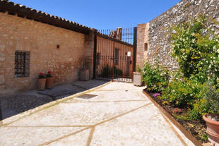 2 bed Country House in Umbria, Perugia, Trevi