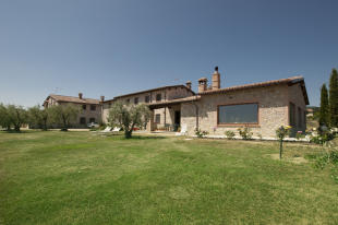 7 bedroom Country House for sale in San Venanzo, Terni...