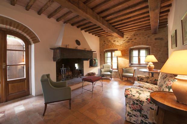 Sitting&fireplace