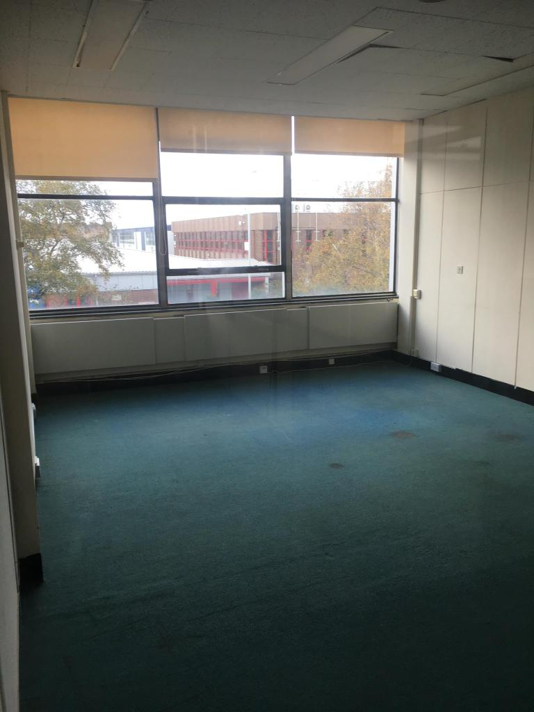 £340pcm office