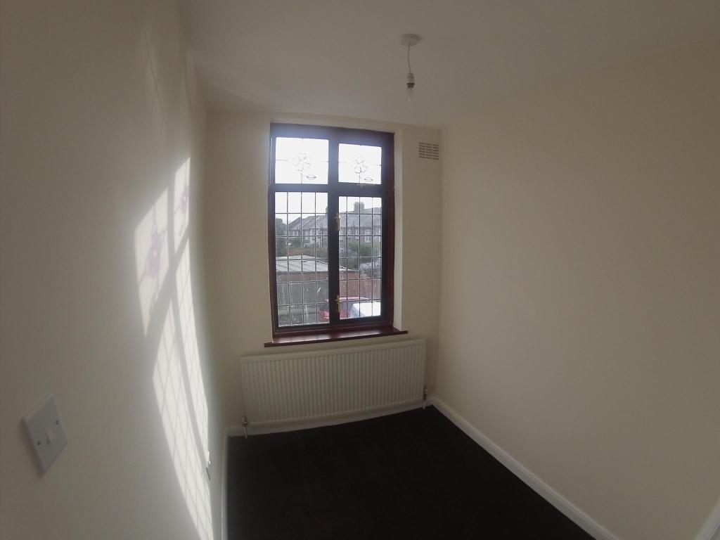 Small Bedroom 3