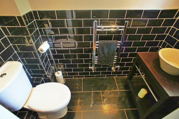 croftongrovedownstairswc.jpg