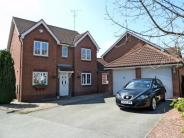 Tidmington Close  Detached house to rent