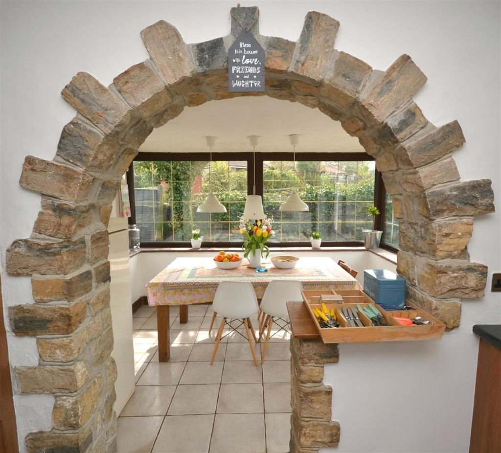 Kitchen arched.jpg