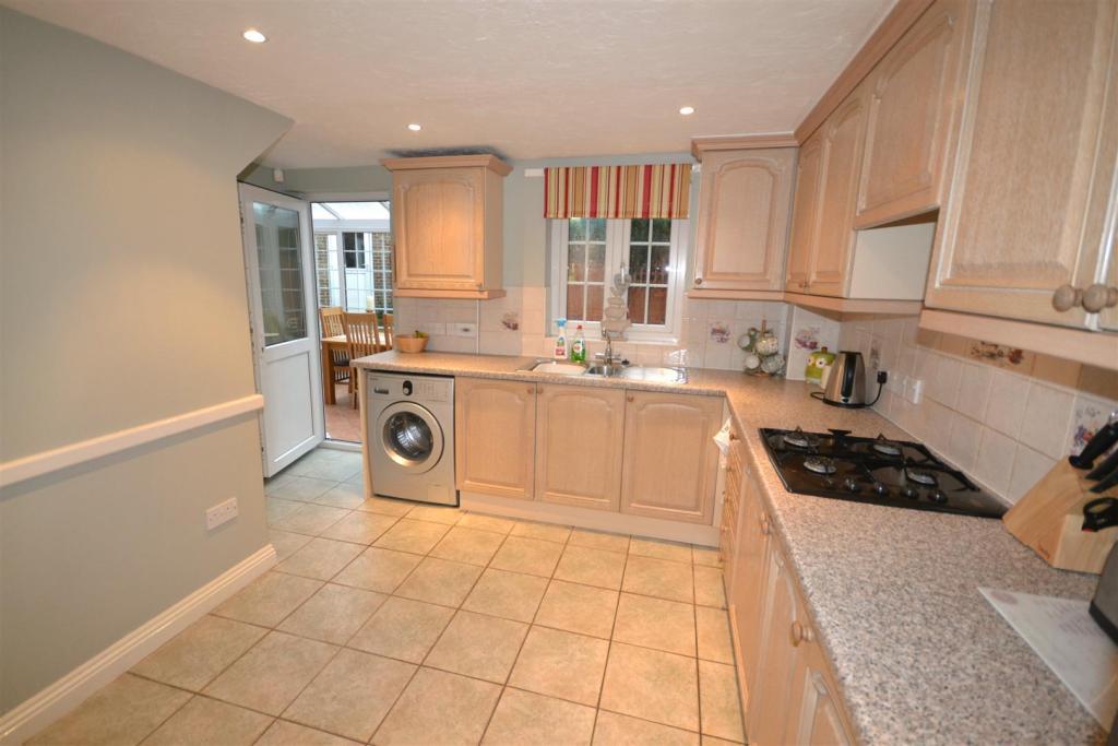 Kitchen2A.jpg