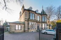 4 bedroom Town House in 45B Inverleith Gardens...