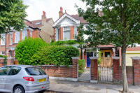 6 bedroom semi detached home in Kitson Road, Barnes