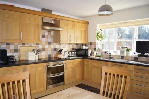 Open Plan Kitchen/Di